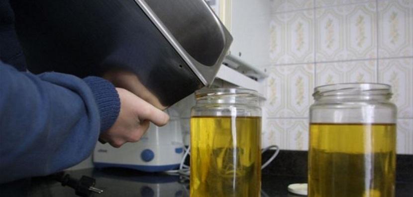Reciclas el aceite usado ctl sanidad ambiental - Aceite usado de cocina ...