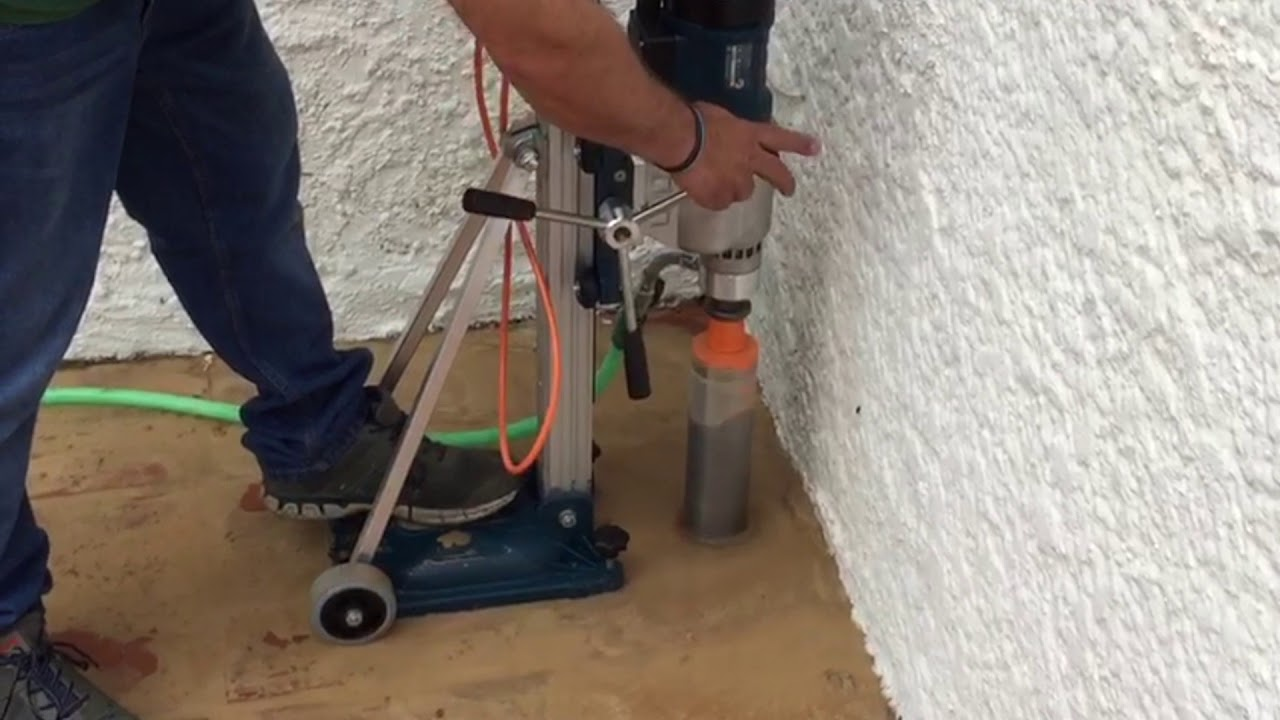 aplicador de cebo para termitas en el suelo