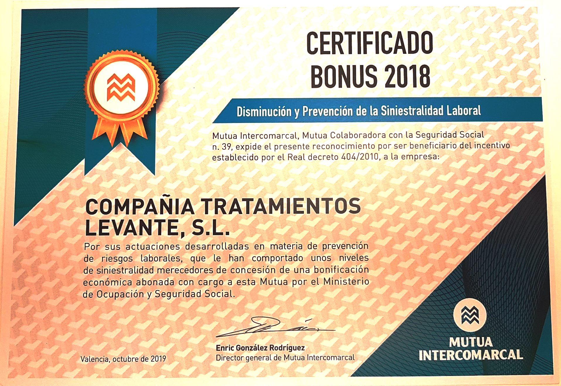 CTL ha obtenido hoy el Certificado Bonus 2018 de Mutua Intercomarcal como recomocimiento a la disminución y prevención de la siniestralidad laboral. En la fotografía PILAR RAMOS SERNA, Jose Perez, Delegado Territorial de Mutua Intercomarcal y Pep Garcia Moreno